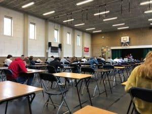 surveilleren tijdens examens op school
